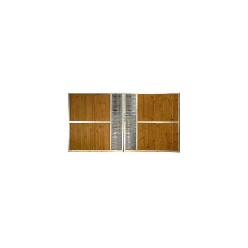 Portail avec cadre acier galva tôle perforée et bois THT