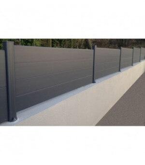 Clôture contemporaine aluminium occultante pleine à lames horizontales sur mesure