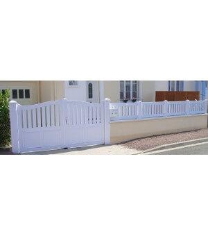 Clôture PVC à barreaux verticaux sur mesure