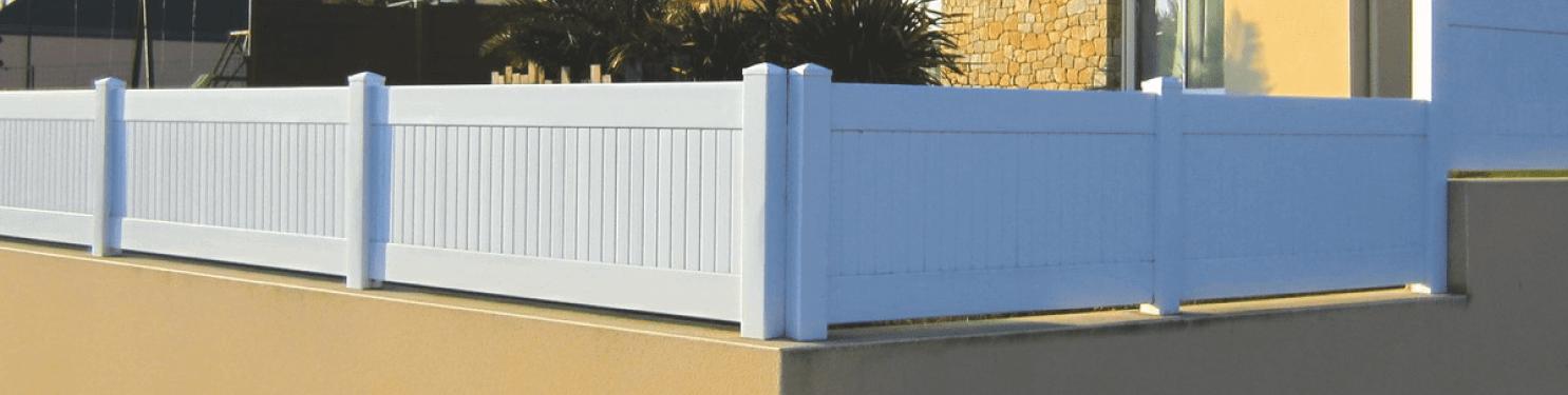 Clôture PVC pleine et occultante sur mesure | LMC Ouvertures