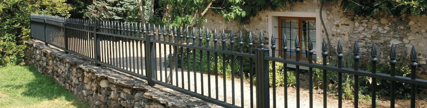 Clôture aluminium tradition style fer forgé sur mesure | LMC Ouvertures