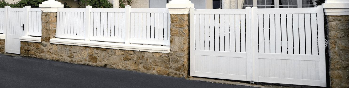 Portail PVC moderne sur mesure | LMC Ouvertures